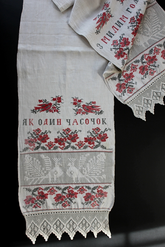 ウクライナ刺繍アンティークリネンのストール TORI 鳥シリーズ